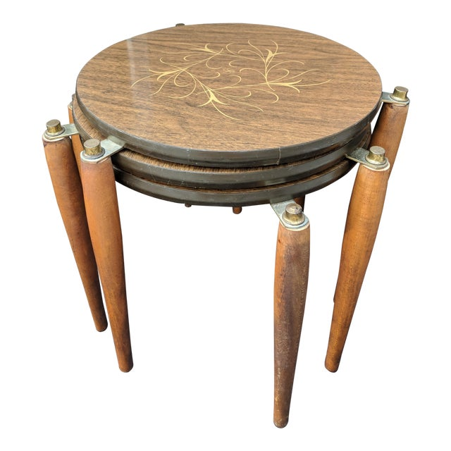 bdd90959cb579 Mid - Century Modern Round Wooden Nesting Tables Retro - Set of 3 For Sale