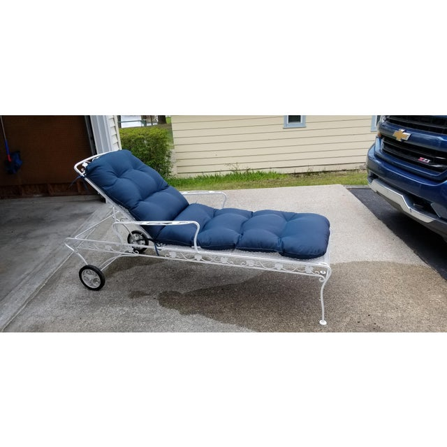 Mid-Century Modern Restored Mid Century Russell Woodard Reclining Wrought Iron Chaise For Sale - Image 3 of 7