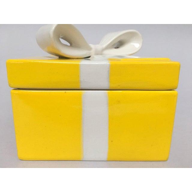 Mancioli Italy Yellow Porcelain Covered Gift Box - Image 4 of 11