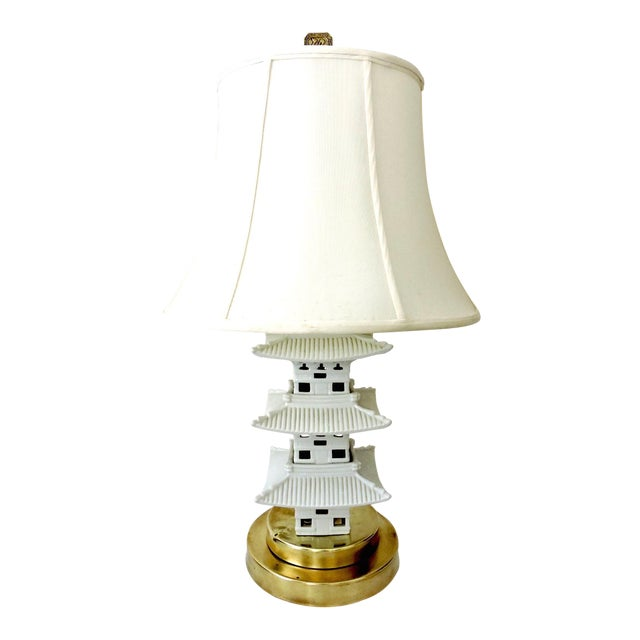 Vintage Chinese Blanc De Chine White Pagoda Table Lamp For Sale
