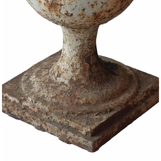 Traditional Early 20th Century Traditional Cast Iron Garden Urn For Sale - Image 3 of 6