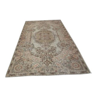 1960s Vintage Turkish Rug - 5′5″ × 9′6″ For Sale