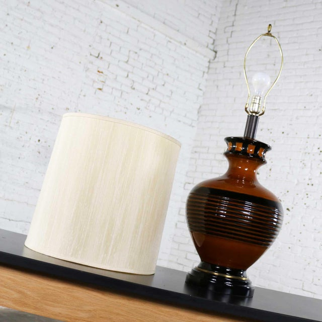Black Large Brown and Black Mid Century Modern Bulbous Ceramic Lamp For Sale - Image 8 of 13