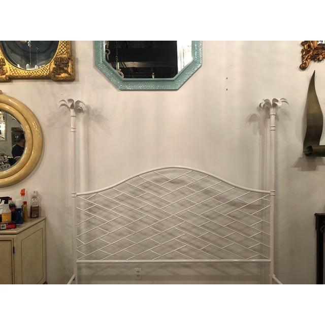 Asian Vintage Hollywood Regency Chinese Chippendale White Lacquered Faux Bamboo Palm Tree Leaf 4 Poster Canopy Bed King Size For Sale - Image 3 of 13