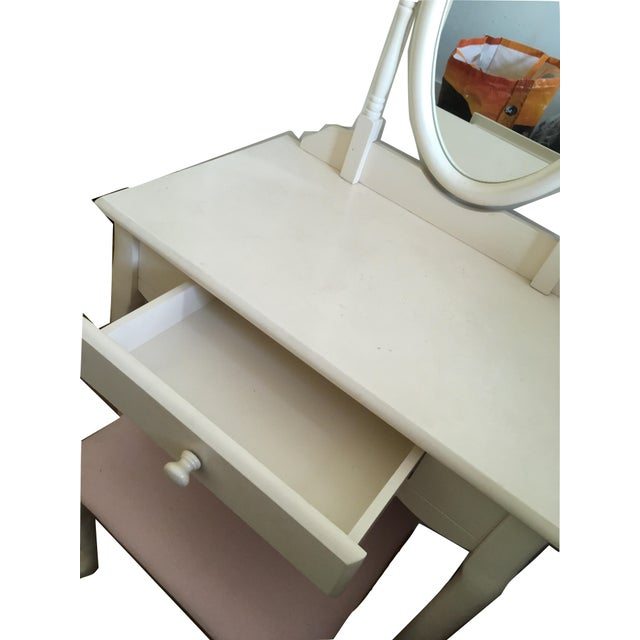 2010s White Vanity With Mirror and Pink Stool Set For Sale - Image 5 of 10