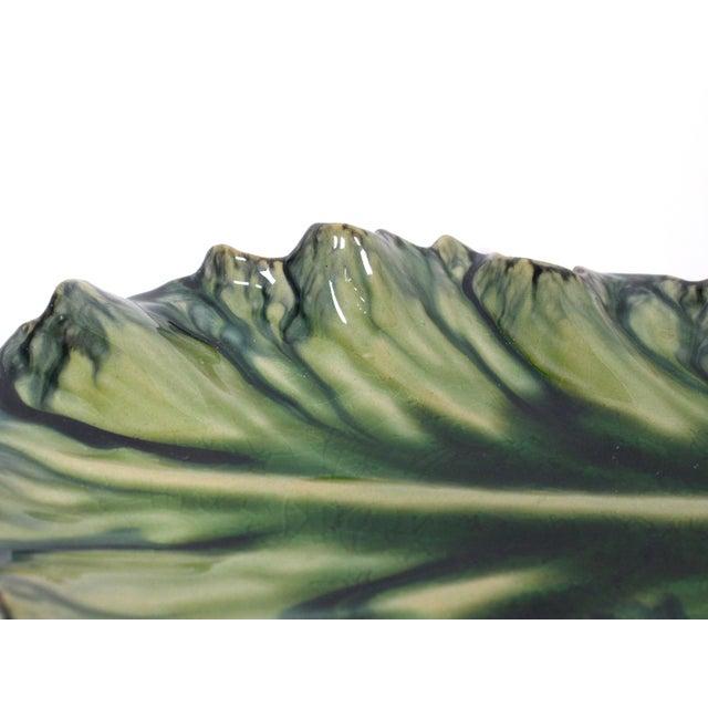 Early 21st Century Large Acanthus Leaf Majolica Platter in Natural Green by Jardins en Fleur For Sale - Image 5 of 10