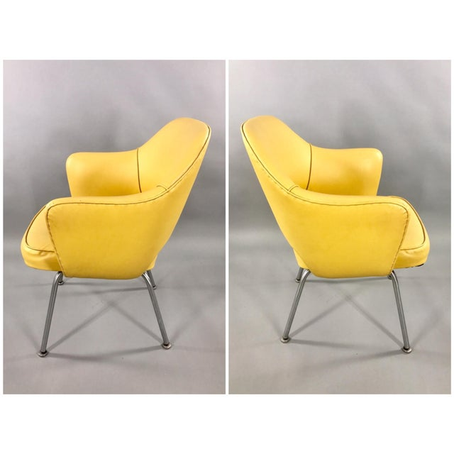 Mid-Century Modern Original 1950's Vintage Eero Saarinen for Knoll Model 71 Executive Armchairs - a Pair For Sale - Image 3 of 11