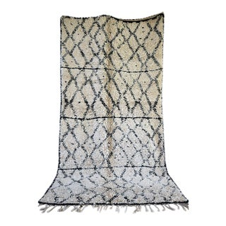 Beni Ourain Rug- 5′9″ × 11′1″ For Sale