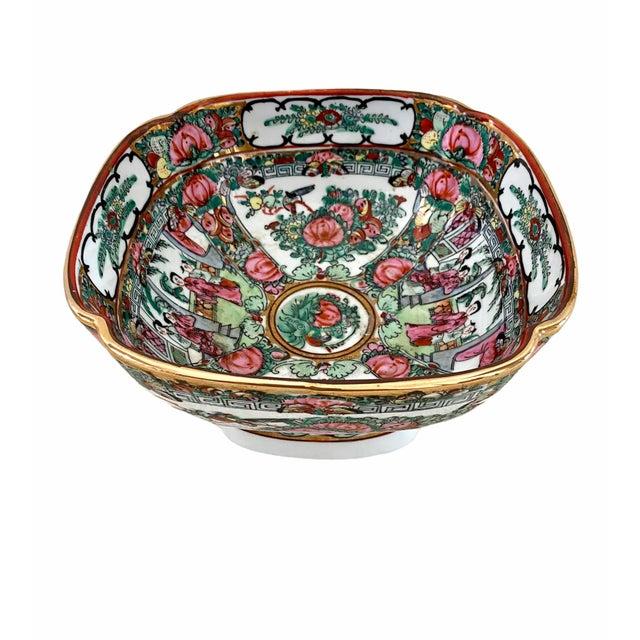 Chinoiserie Vintage Pedestal Rose Famille Medallion Bowl For Sale - Image 3 of 7