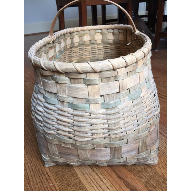 Traditional Antique Wicker Basket with Handle For Sale - Image 3 of 11