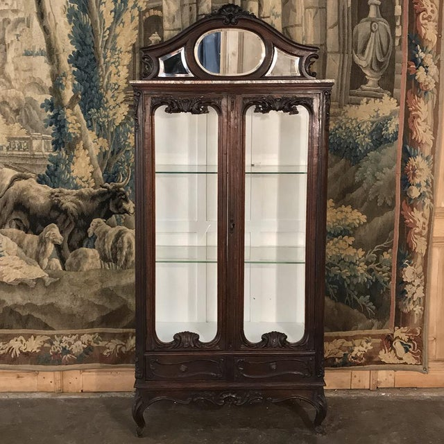 19th Century French Louis XV Marble Top Vitrine For Sale - Image 13 of 13