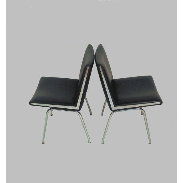 A.P. Stolen 1960s Vintage a.p. Stolen for Hans J. Wegner Black Airport Lounge Chairs - A Pair For Sale - Image 4 of 4