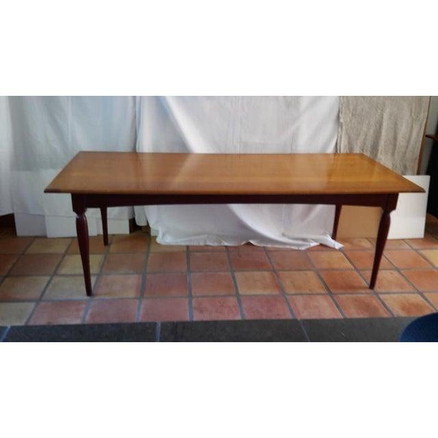 https://chairish-prod.freetls.fastly.net/image/product/sized/2855ba53-9f96-40c7-8202-b8bdfec062b0/grange-shaker-dining-room-table-6807?aspect=fit&width=640&height=640