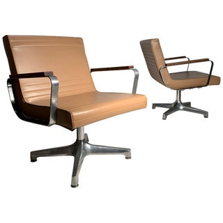 Pair of Vintage 1970s Techfab Chromcraft Latte Lounge Chairs For Sale