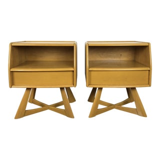 1950s Mid-Century Modern Heywood Wakefield Sculptura Nightstands - a Pair For Sale