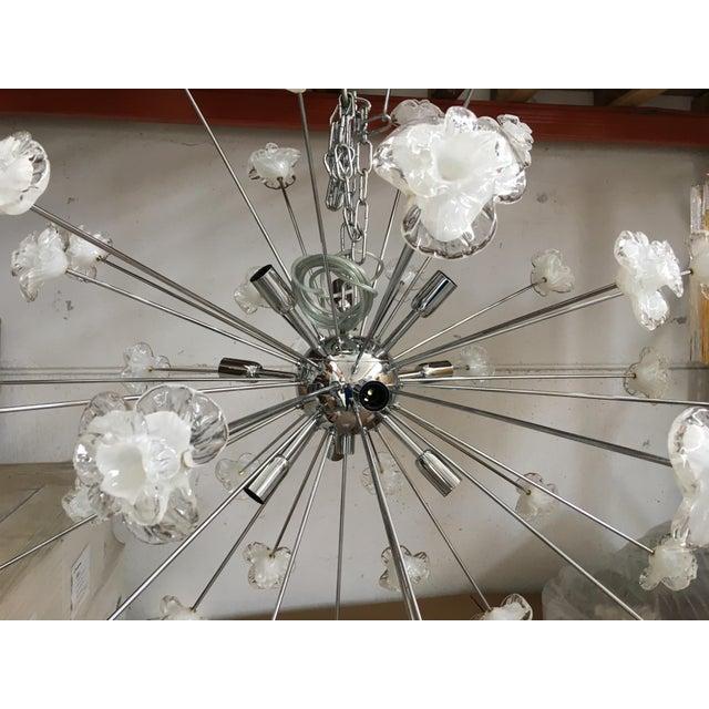 2010s Modern Murano Glass Triedo Sputnik Flower Chandelier For Sale - Image 5 of 7