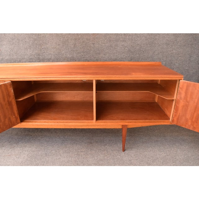 "1950s Mid-Century Modern Robert Heritage for Archie Shine Teak ""Hamilton"" Credenza For Sale - Image 9 of 11"