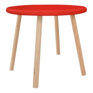"Peewee Small Round 23.5"" Kids Table in Maple With Red Finish Accent For Sale"