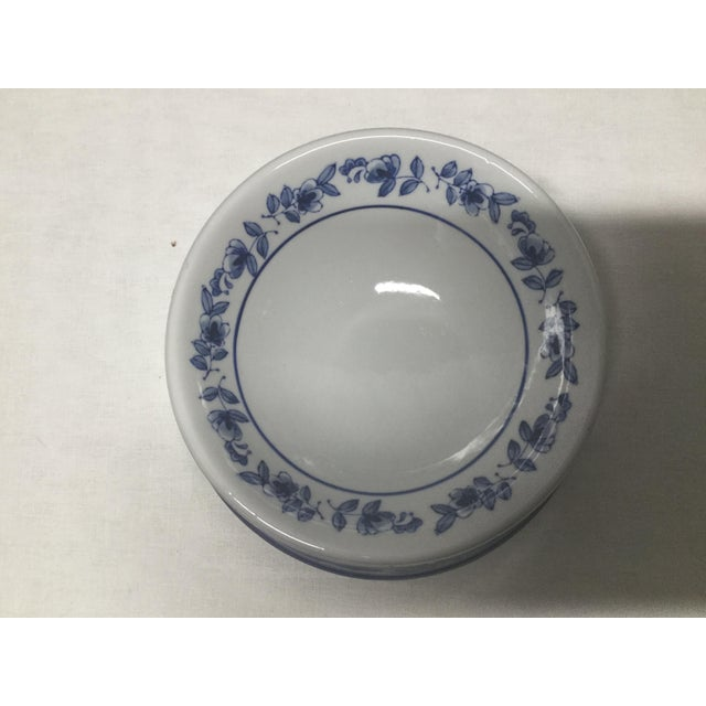 Mid-Century Pet Bowl in Blue and White Ceramic For Sale - Image 4 of 5