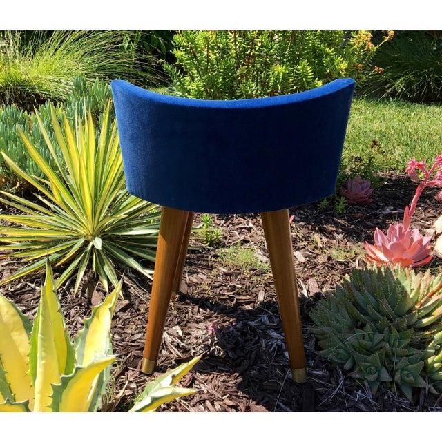 Mid-Century Modern Swivel Blue Velvet Vanity Chair For Sale - Image 4 of 9