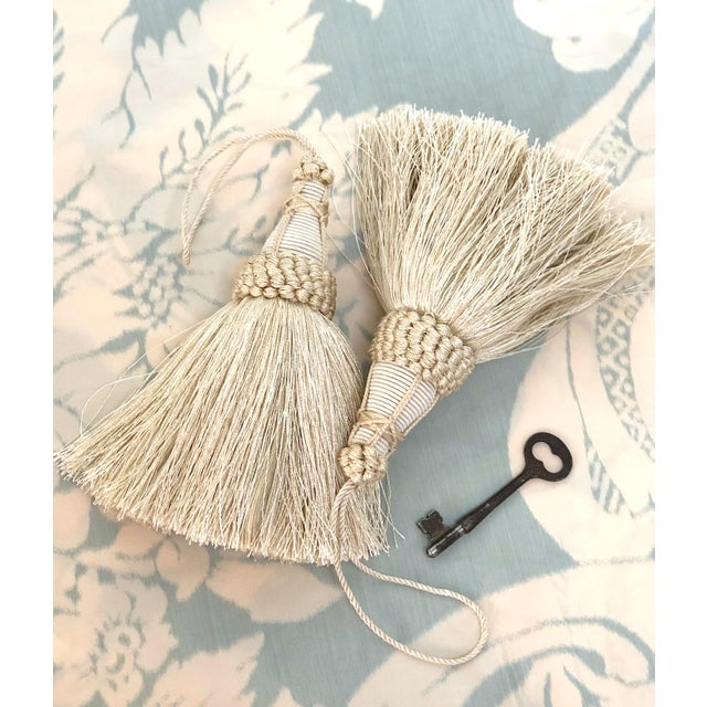 Cream Pair of Key Tassels in Cream With Looped Ruche Trim For Sale - Image 8 of 10