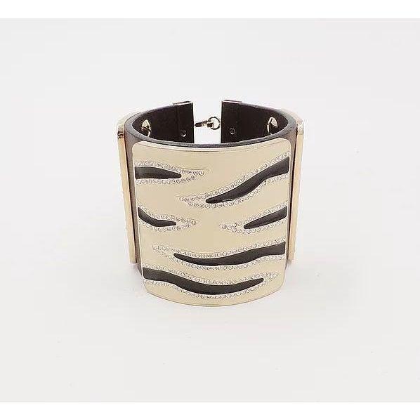 Valentino Leather & Enamel Zebra Stripe Rhinestone Cuff Bracelet For Sale In Philadelphia - Image 6 of 12