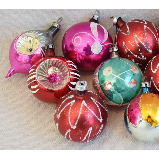 Mid 20th Century Vintage Colorful Christmas Ornaments W/Box - Set of 12 For Sale - Image 5 of 12