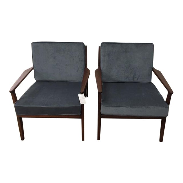 Mid Century Modern Arm Chairs For Sale