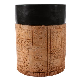 Mid 20th Century Jim Summers Pottery Vase Canister With Incised Design For Sale