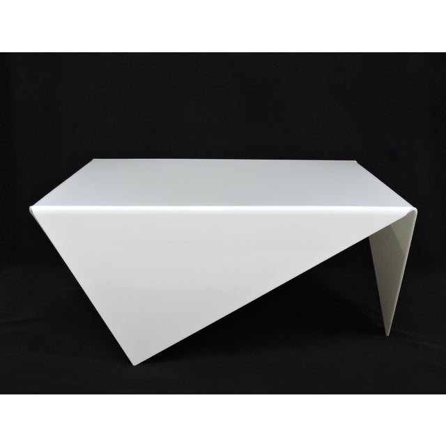Striking coffee table made from white acrylic in the style of the Mouchoir table designed by Bertin France in the 1970s....