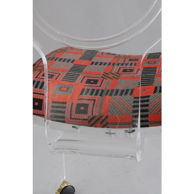 Hill Mfg. Lucite Vanity Chair Round Back Rolling Casters Mid Century Modern Vintage - Image 8 of 11