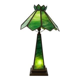 Arts & Crafts Green Stained Glass Table Lamp For Sale