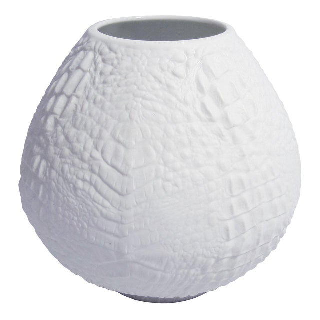1970s White Modernist Spherical Bisque Porcelain Vase with Crocodile Texture by A.K. Kaiser For Sale - Image 5 of 5
