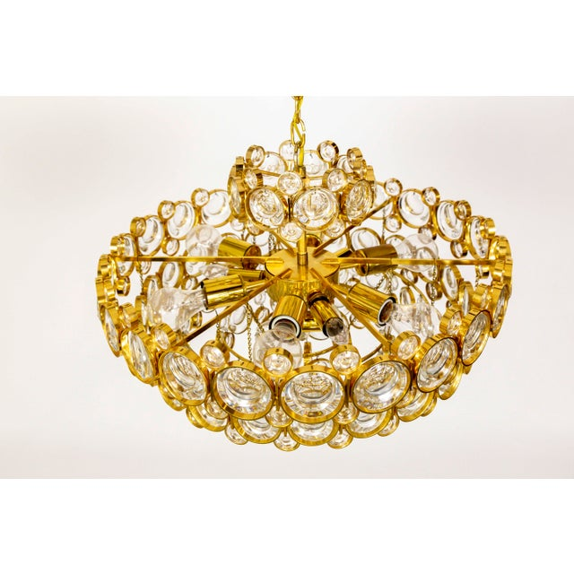 Mid-Century Modern Circular Gilt Brass & Optical Lens Crystal Multi Tier Chandelier by Palwa For Sale - Image 3 of 13