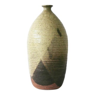 Ceramic Pottery With Triangular Pattern For Sale