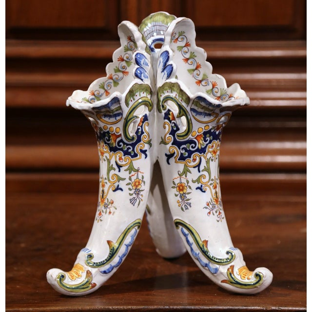 Early 20th Century French Hand Painted Ceramic Cornucopia Bouquetiere from Rouen For Sale - Image 9 of 9