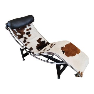 Le Corbusier Cowhide Chaise Lounge W/ Bolster Pillow