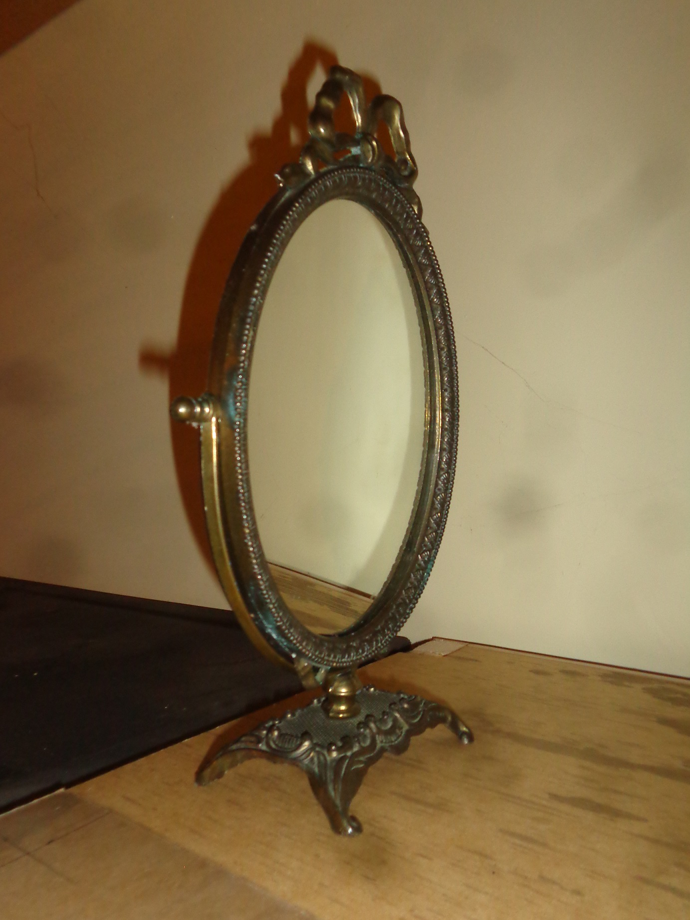 1930s Italian Brass Vanity Table Mirror For Sale   Image 4 Of 9