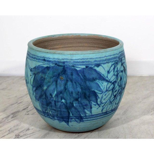 American Mid-Century Modern Blue Glazed Ceramic Pot Signed j.t Abernathy, 1960s For Sale - Image 3 of 8
