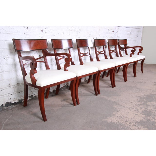 Baker Furniture Historic Charleston Georgian Banded Inlaid Mahogany Dining Set For Sale - Image 11 of 13