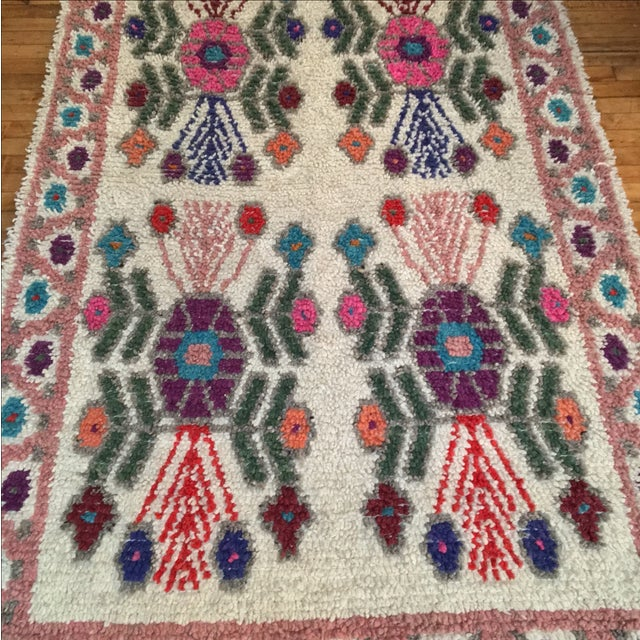 "Dusty Rose Hand Woven Wool Rug - 4'9"" X 7'6"" - Image 4 of 8"