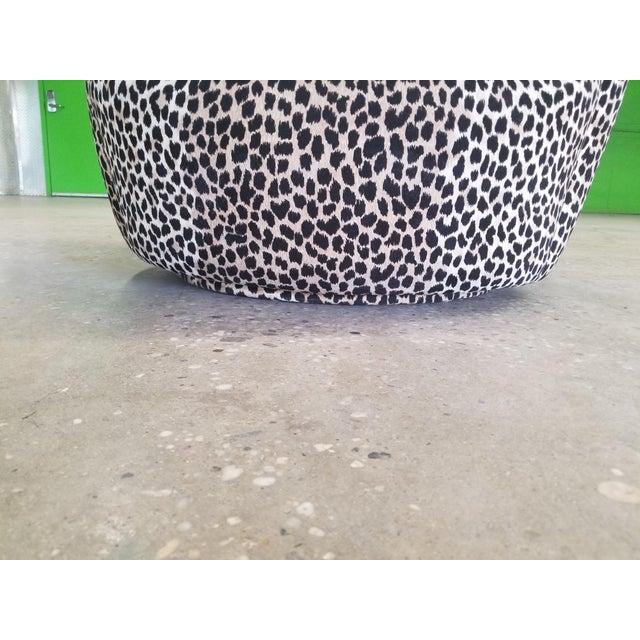 Vladimir Kagan Nautilus Swivel Covered in a Cheetah Velvet For Sale In New York - Image 6 of 7