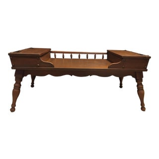 20th Century Ethan Allen Baumritter Heirloom Maple Nutmeg Colonial Hinged Storage Coffee Table For Sale
