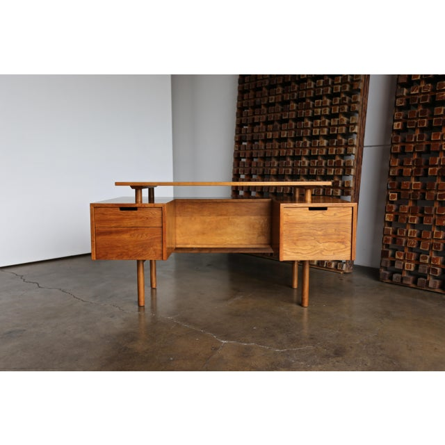 Walnut Desk by Milo Baughman for Glenn of California For Sale - Image 9 of 13