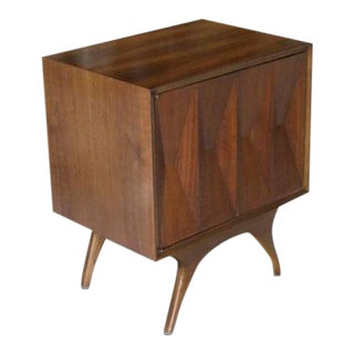 Mid-Century Modern Diamond Front Walnut End Side Table/One Door Cabinet For Sale