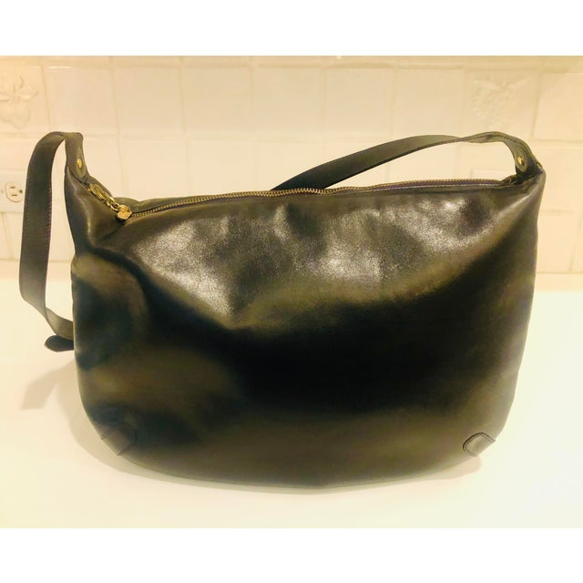 1980s 1980s Salvatore Ferragamo Large Navy Leather Hobo Purse For Sale - Image 5 of 9