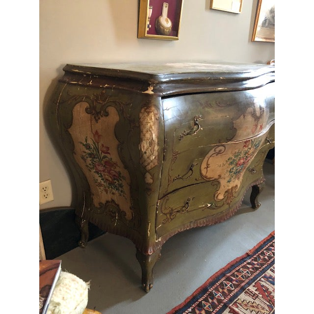 18th Century Venetian Rococo Bombe Chest of Drawers For Sale - Image 9 of 13