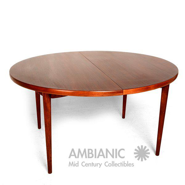 1950s Scandinavian Modern Swedish Oval Dining Table For Sale - Image 5 of 9