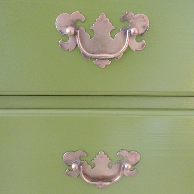 1940s Painted Green Eight Drawer Chest on Chest Dresser For Sale In New York - Image 6 of 10