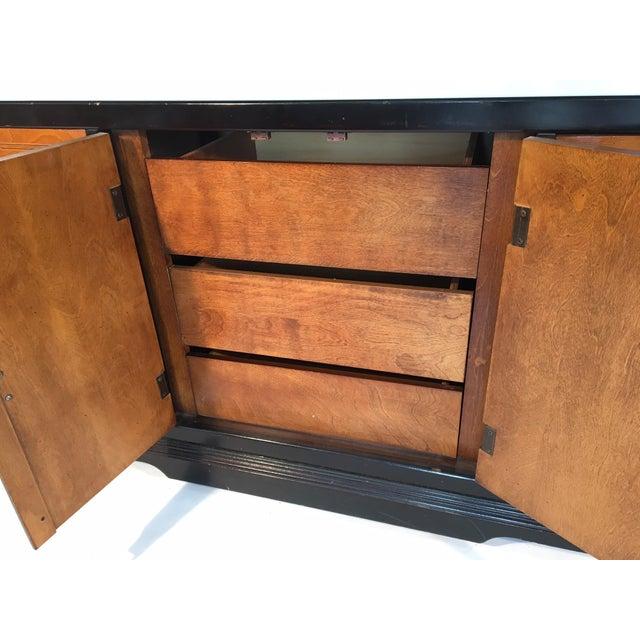 Bassett Hollywood Regency Asian Chinoiserie 9 Drawer Dresser For Sale - Image 6 of 7
